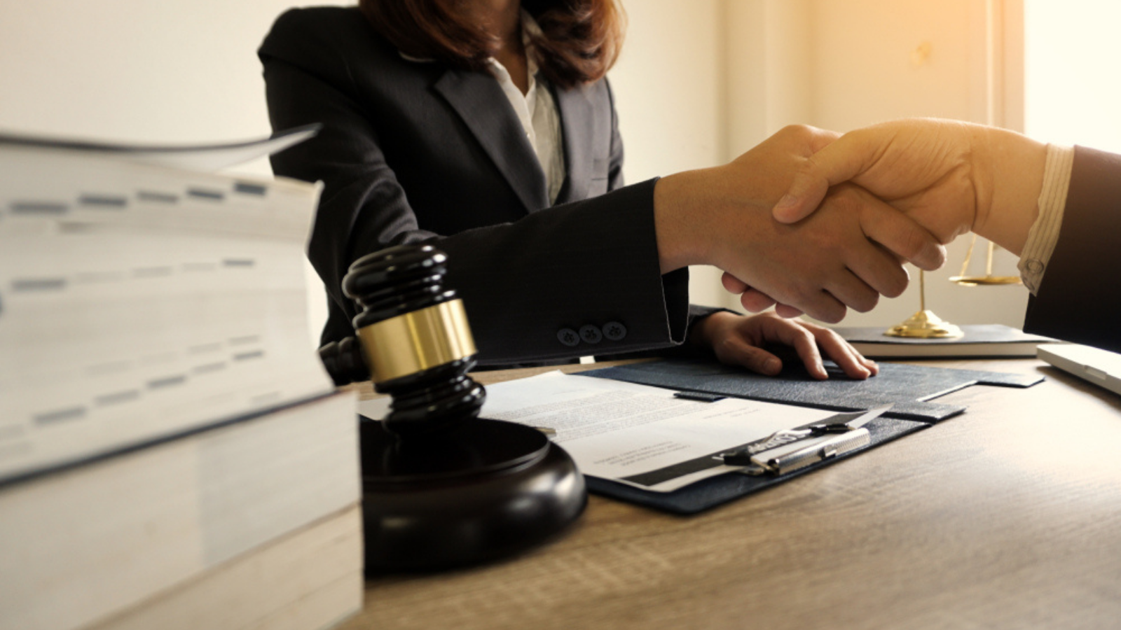 Top Mistakes that People Make While Choosing a Law Firm